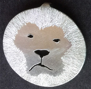 Small lion with mane pendant