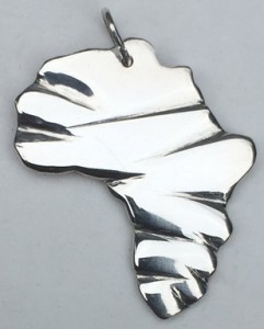 Decorative Africa shaped sterling silver pendant