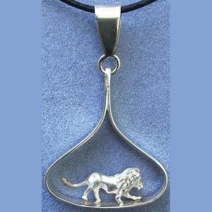 Solid 3d lion in silver teardrop pendant
