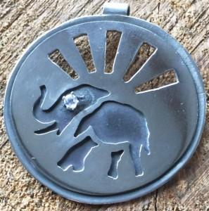 Round elephant pendant with diamond eye