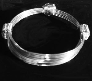7 strand 3 knot elephant hair bracelet in silver
