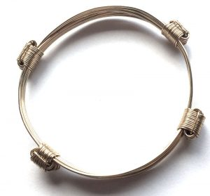 Lightweight gold african elephant hair knot bracelet in gold